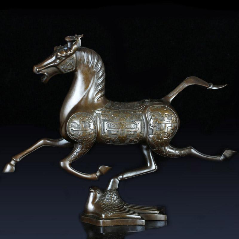 铸铜马踏飞燕铜摆件